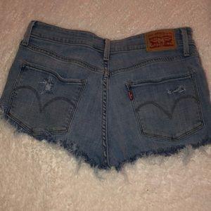 size 28 Levi cut off shorts